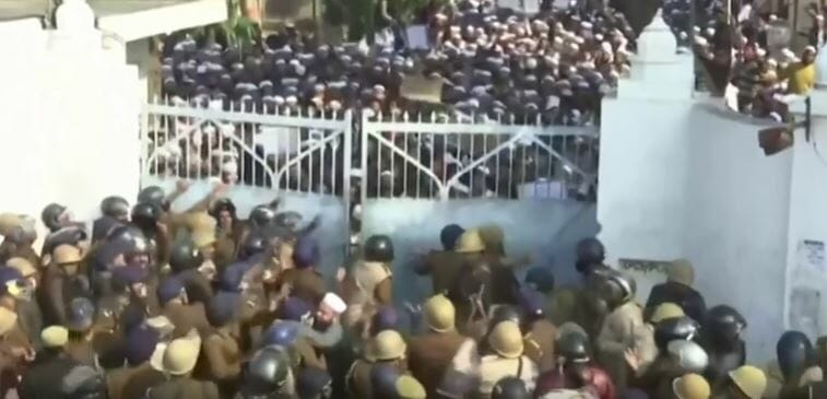 WATCH: Rioting continues as illegal Muslims excluded from Indian citizenship bill