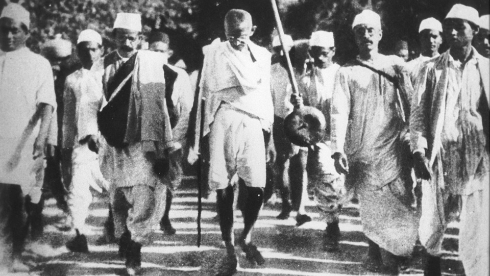 ON THIS DAY: 12 MARCH 1930: Mohandas Gandhi begins 300km march protesting British salt tax