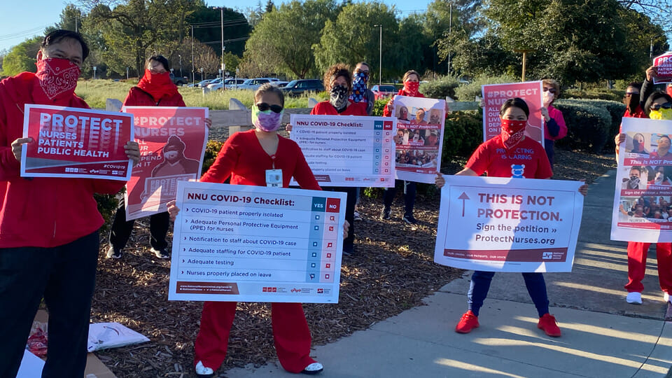 """""""Like sheep going to slaughter"""": NY Nurses protest lack of protective clothing in #Covid19 fight"""