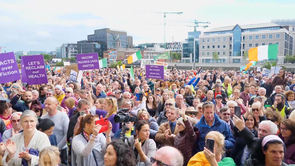 NIAMH UÍ BHRIAIN: Media's reporting on anti-lockdown rally damages their own credibility