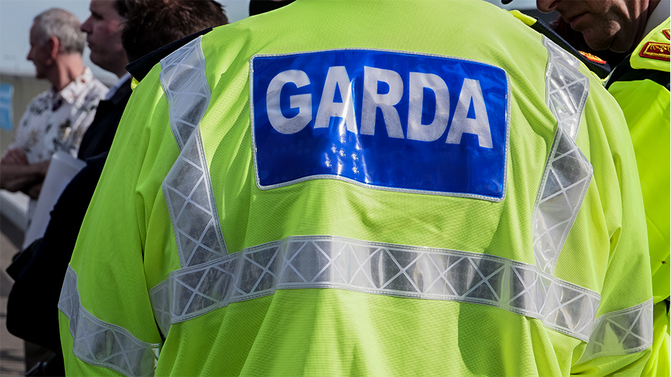 Gardaí to crackdown on private house gatherings of six or more people as pubs remain closed