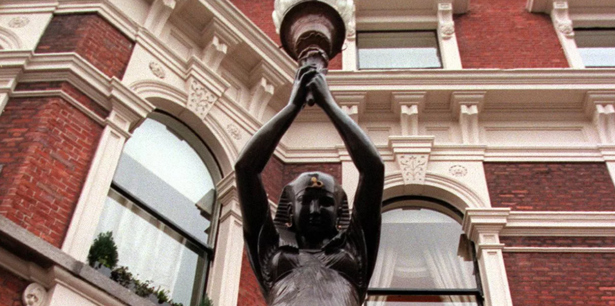 Shelbourne Hotel: On second thought, we'll put those statues back up