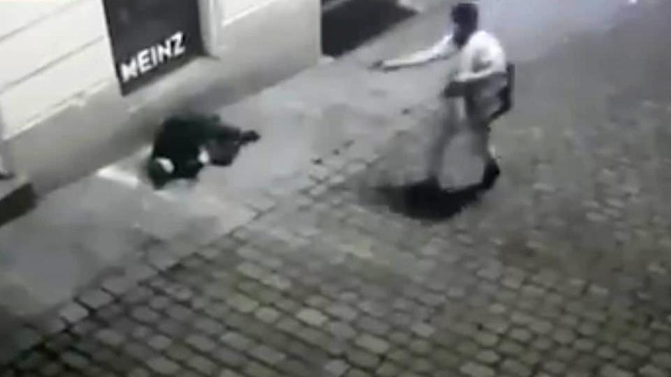 """TERROR in Vienna: """"Islamist"""" attack Jewish quarter: 4 dead, 17 injured"""