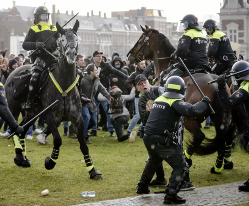 Europeans protest lockdowns, restaurants in Italy defy law