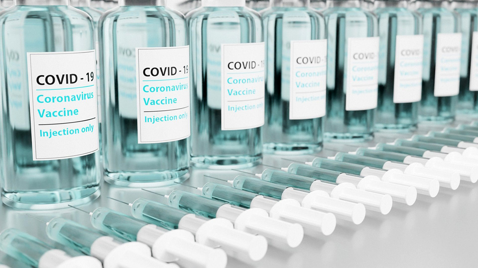 Rich countries' 1bn vaccine stockpile leaves little for 3rd world, report says