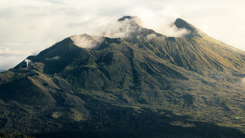 Volcano-stricken islanders told they won't be rescued unless they take covid vaccine