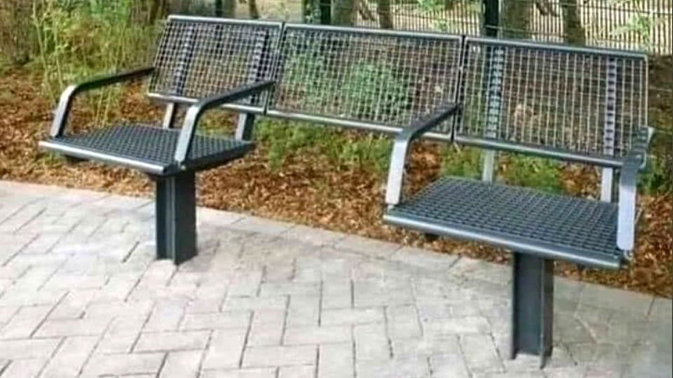 """FG Councillor: We need more of these """"wheelchair friendly"""" park benches"""
