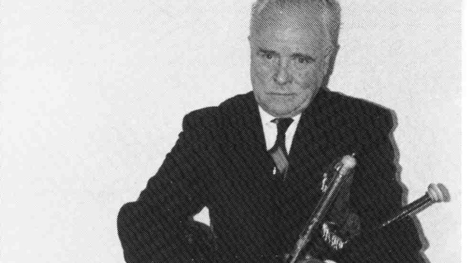 City Council honours renowned uilleann piper Leo Rowsome with plaque